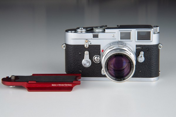 Leica M series Arca-Swiss type base plate Red
